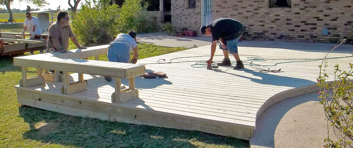 Beautiful Decks & Patios | Hathorn Repair